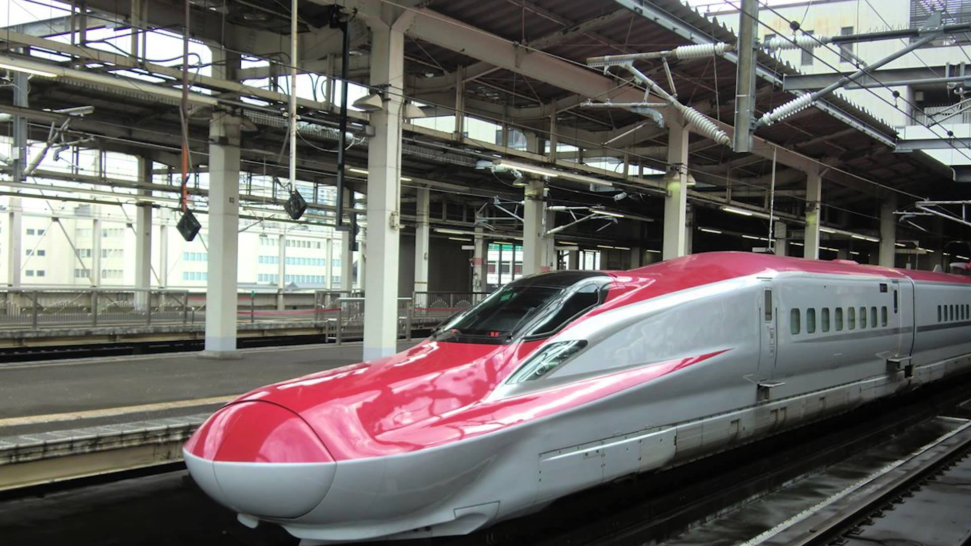 bullet trains What is the shinkansen shinkansen is the term used to describe bullet trains in japan and it literally means new trunk line sometimes referred to as super express services in english, shinkansen trains mostly run on dedicated tracks and stop only at major stations.