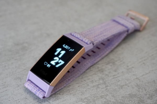 product-review-fitbit-charge-3-purple