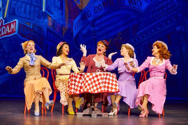 review-marron-theatre-arts-emma-caffrey