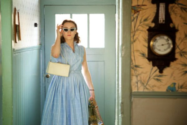 film-review-brooklyn-costume