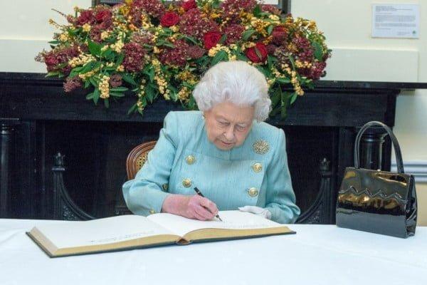 mastering-politics-whats-a-bill-royal-assent