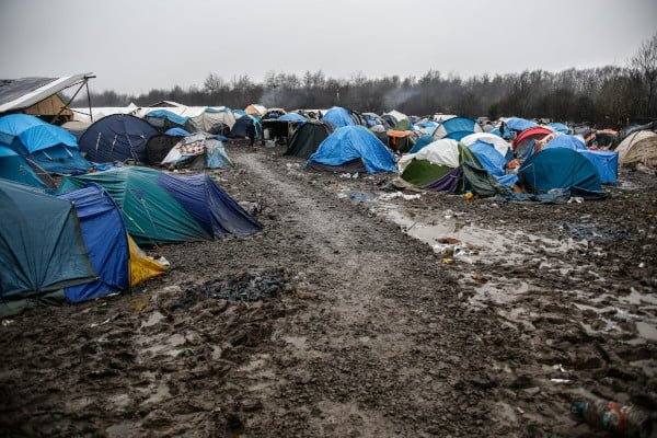 migrant-camp-in-dunkirk-cleared-tents