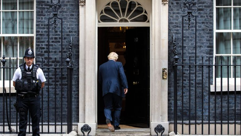 mps-force-no-10-to-release-texts