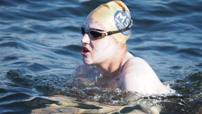 sarah-thomas-swims-four-lengths-of-the-english-channel