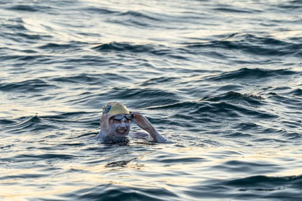 sarah-thomas-swims-four-lengths-of-the-english-channel-ocean