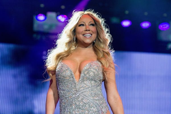 the-peculiar-sleeping-habits-of-historys-greatest-mariah-carey