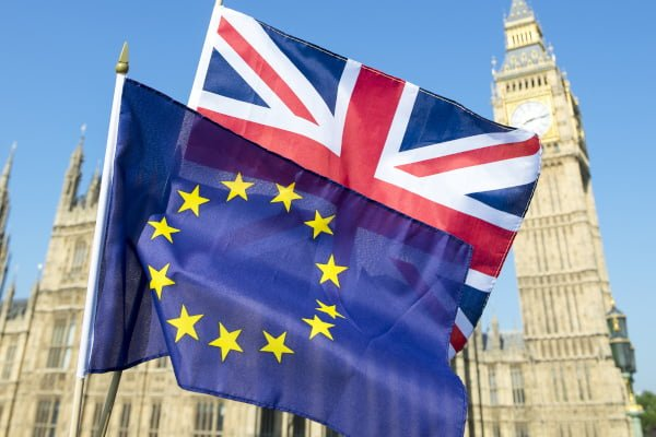 why-a-no-deal-brexit-should-be-ruled-out-flags