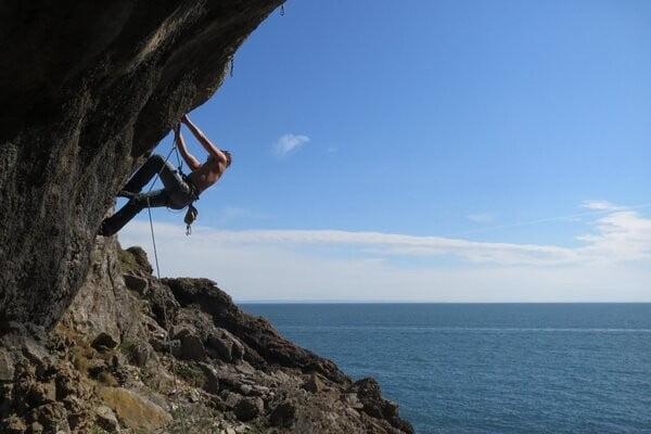 climbing-tom