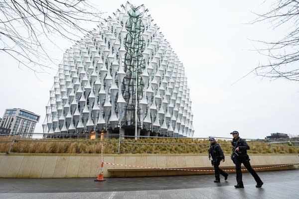 police-us-embassy