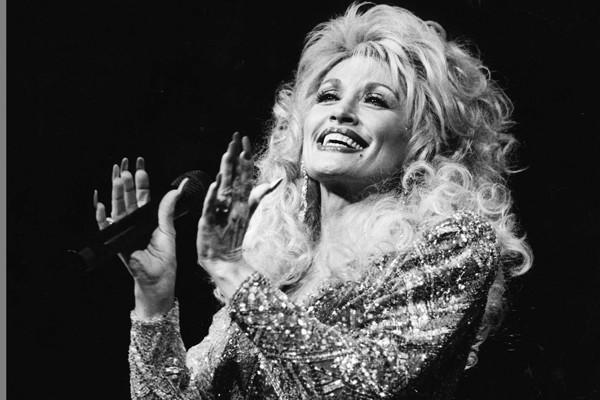 Dolly-Parton-young