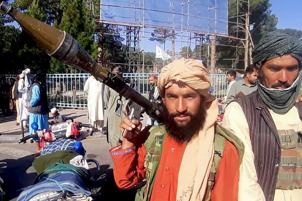 afghanistan-taliban-gun
